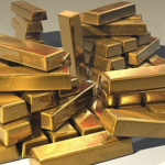 Gold Retakes 1300 Amid Rising Uncertainty